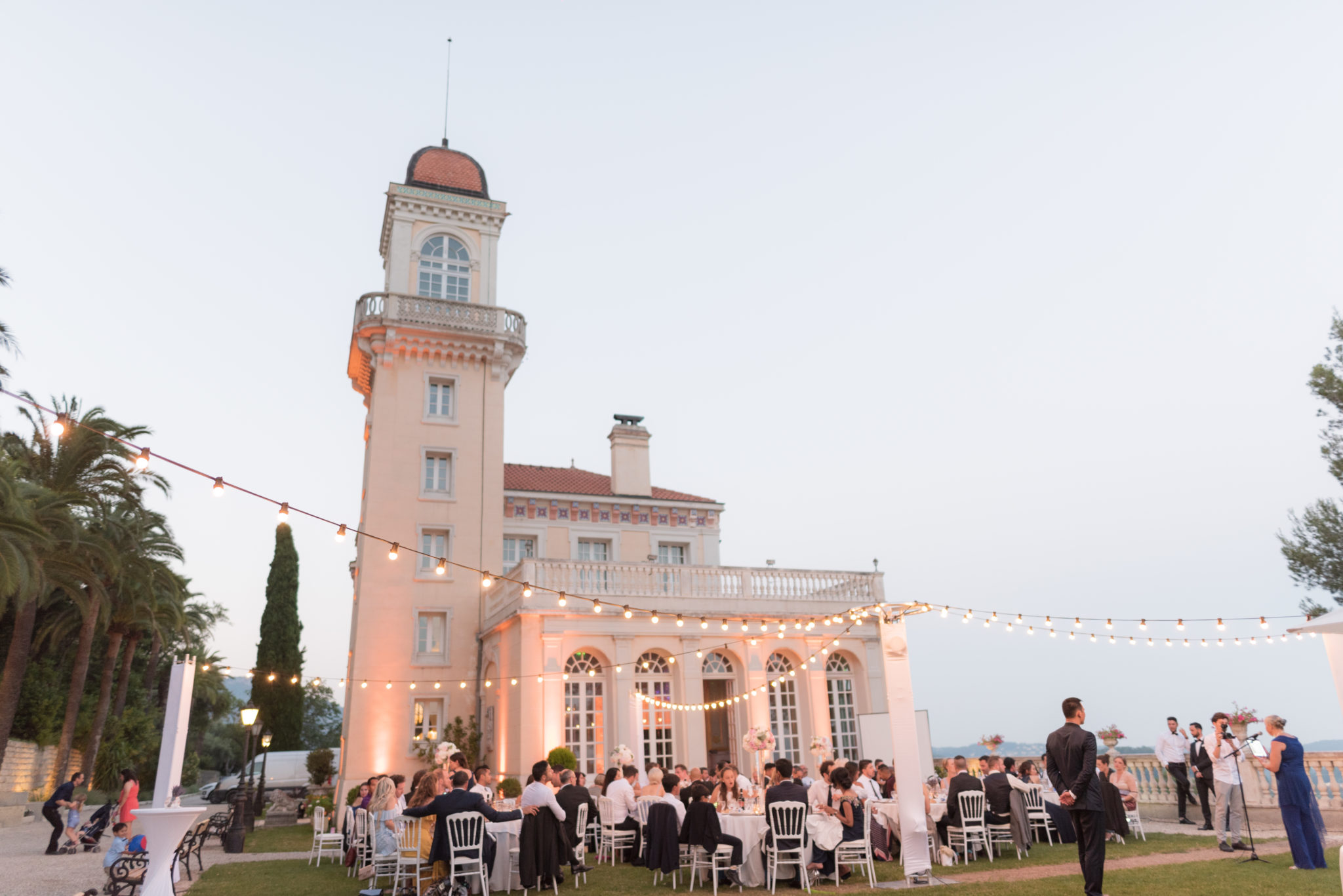 luxury wedding at chateau saint Georges, Grasse